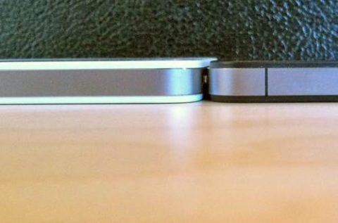 Black iPhone 4 Thinner Than White iPhone 4 [Photos]