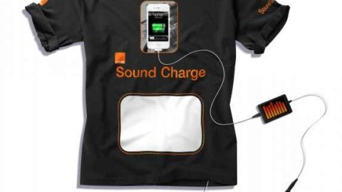 Orange T-Shirt Allows you to Charge Your iPhone [Amazing Video]